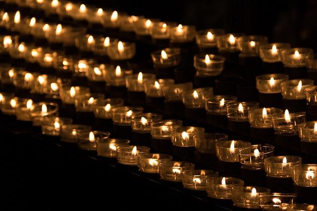 candle-1068945_640.jpg