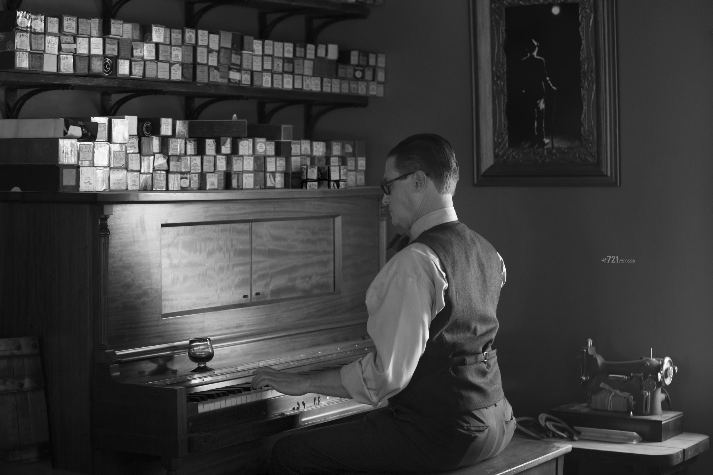 magician_piano-wm.png