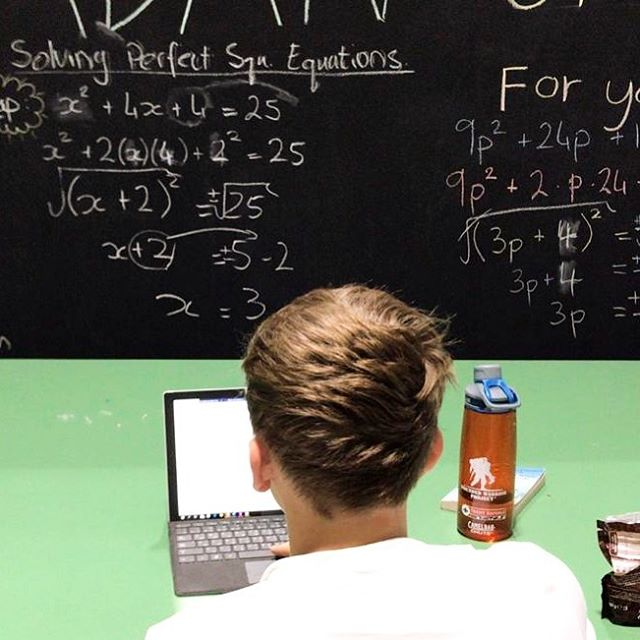 We don't mean to brag, but Wisdom Warehouse students are such smarties 💁🏽♂️ Can you solve perfect square equations?