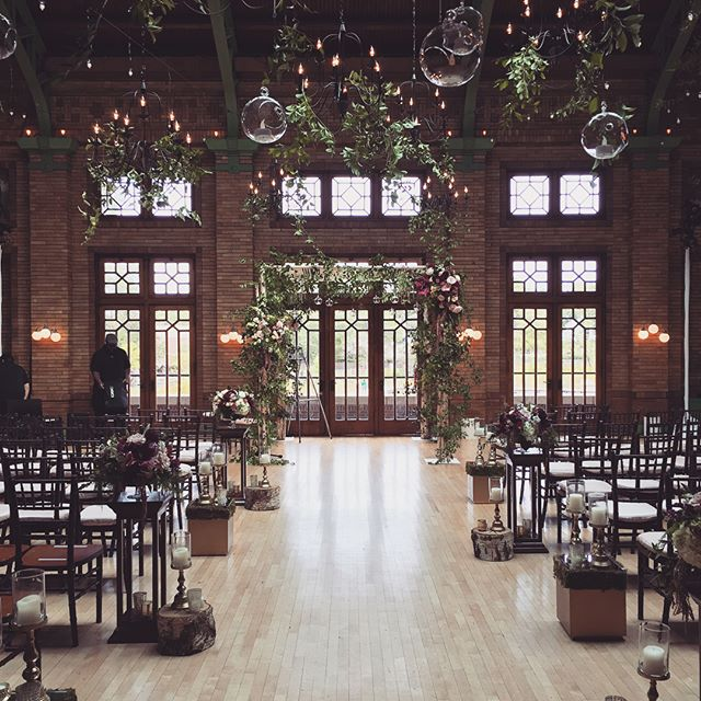 ✨fairytales do come true✨ . Magic happened at today's wedding in Cafe Brauer. All floral done by @stemschicago and luxury furniture provided by @boweryandbash. @lightningstrike.chi is always happy to be part of the team! Strike tonight! ⚡️💪🏼