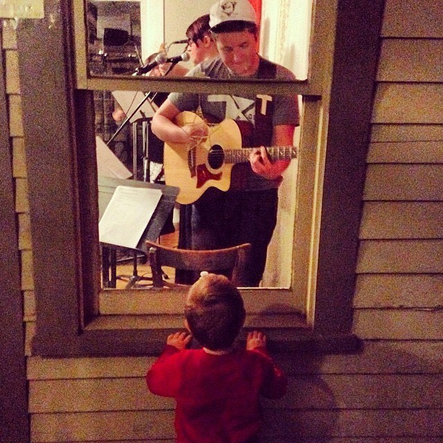 Facebook memories #FTW this morning with this reminder. @tyleredesign and @julieevans316 look at how small Dax is!!!! Such a sweet night playing at @cuppiesandjoe • • • That is all. You may now return to your regularly scheduled programming.
