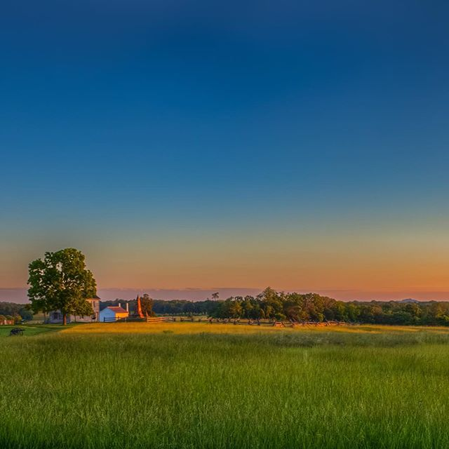"""Get outside. Watch the sunrise. Watch the sunset. How does that make you feel? Does it make you feel big or tiny? Because there's something good about feeling both."" -Amy Grant @manassasnps #manassasnationalbattlefieldpark #exploreva #sunrise #findyourpark #LoveVa"