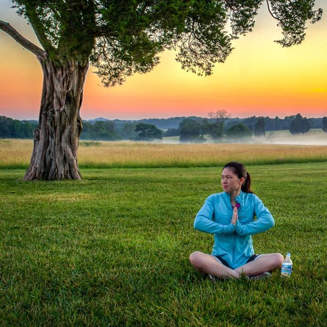 Morning Favorites: Yoga. Sunrises in #deerparkcountry. Fog. 💕 Loved Ones + @DeerParkWtr  #manassasbattlefield #ad #ExploreVA
