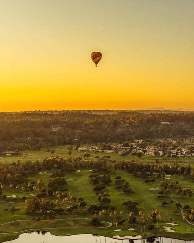 """Once you have tasted flight, you will forever walk the earth with your eyes turned skyward, for there you have been, and there you will always long to return."" -Leonardo da Vinci  Remembering my #hotairballoon sunset ride last year as part of the #sonyalpha experience. I've been thinking about making the switch to the new @sony @sonyalpha system since then. May go for it soon!  #sandiego #sunset #california"