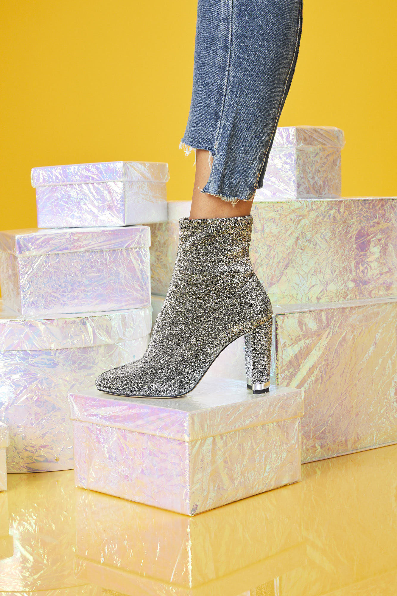 13_Glitter_Shoes1_0005.jpg