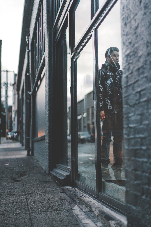 Levitate-Troy-Reflection.jpg