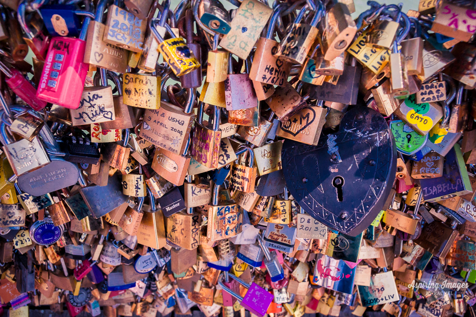 AspiringImagesbyRachel-Paris-PontsDesArtsBridge-LoveLocks-LotsofLocks