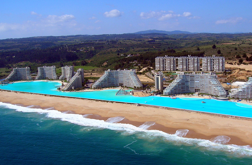 biggest pool in the world chile