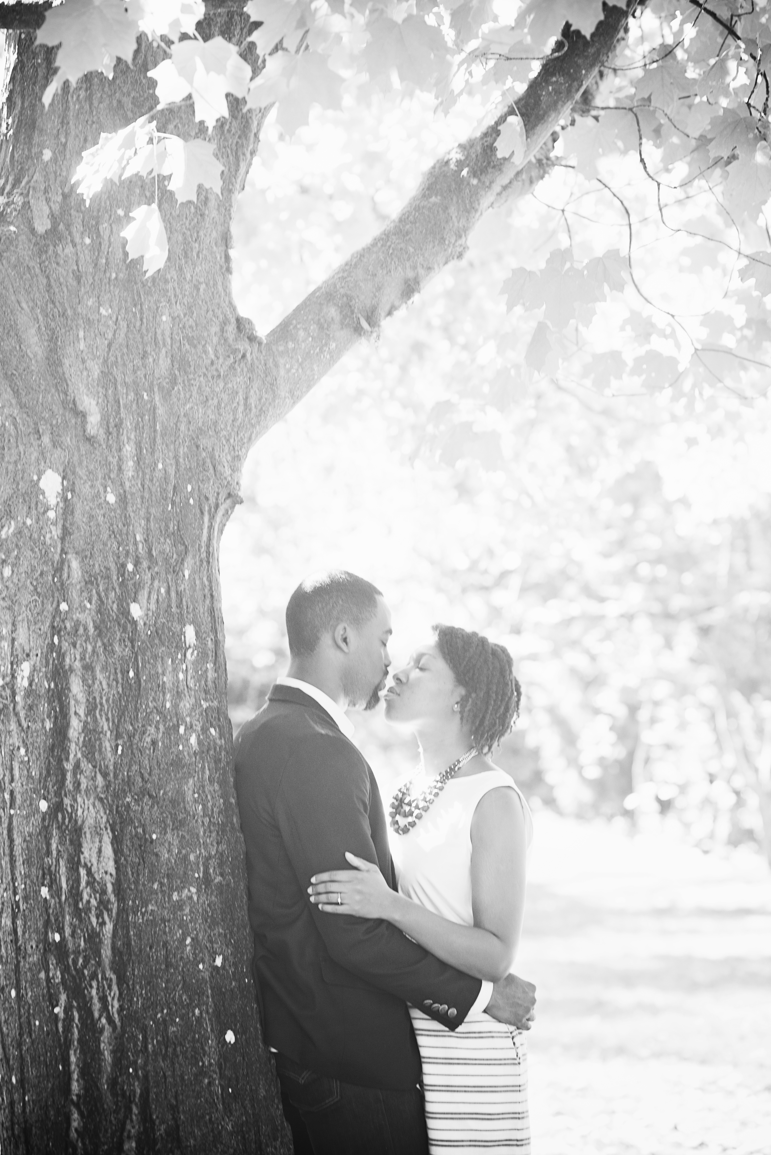 Seattle wedding photographer, engagement, fall, autumn, cute, leaves, Abie 10