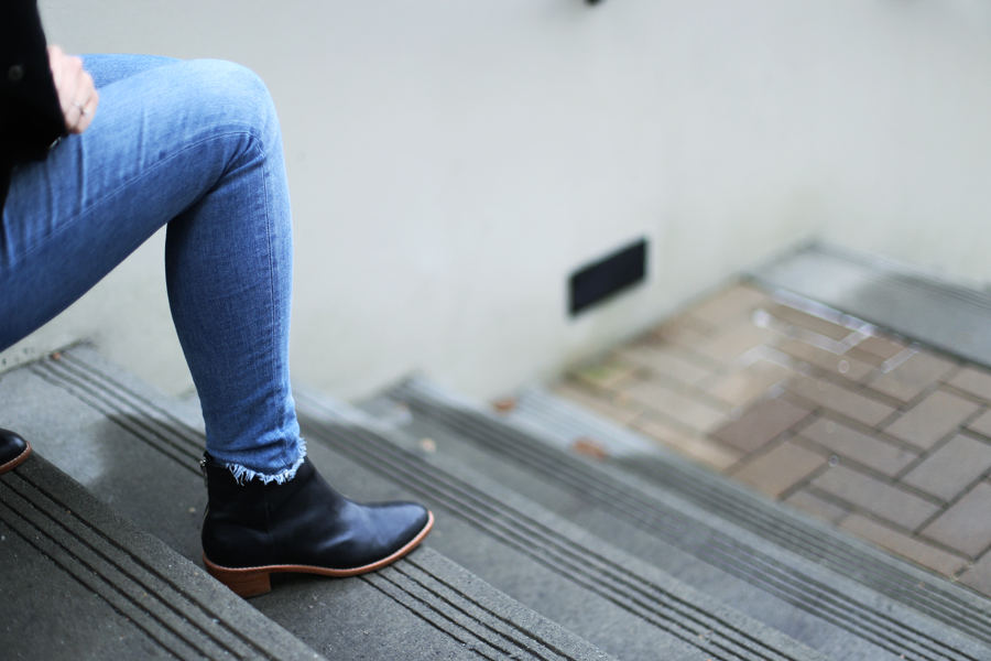 minimalist booties - basic black booties that never go out of style.