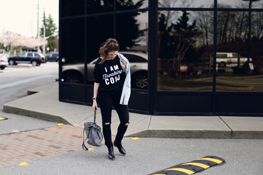 I need this sweatshirt! I am freaking cold...because I'm always cold! #ootd