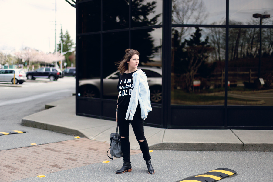 Minimalist fashion: How to layer a sweatshirt and not look sloppy.