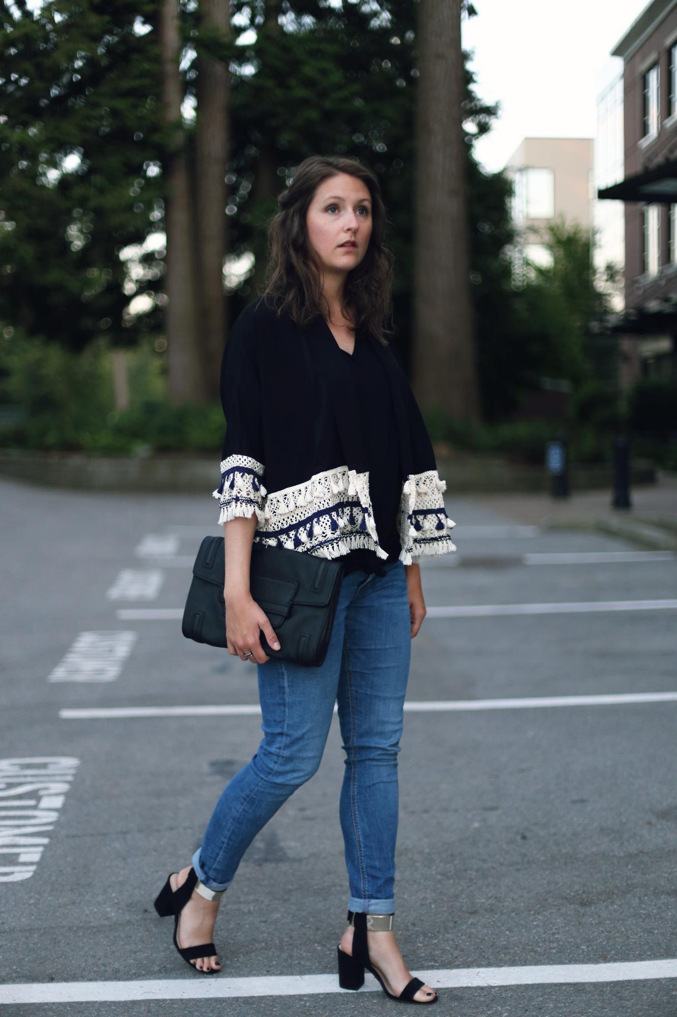 Fashion: minimalist chic outfit.