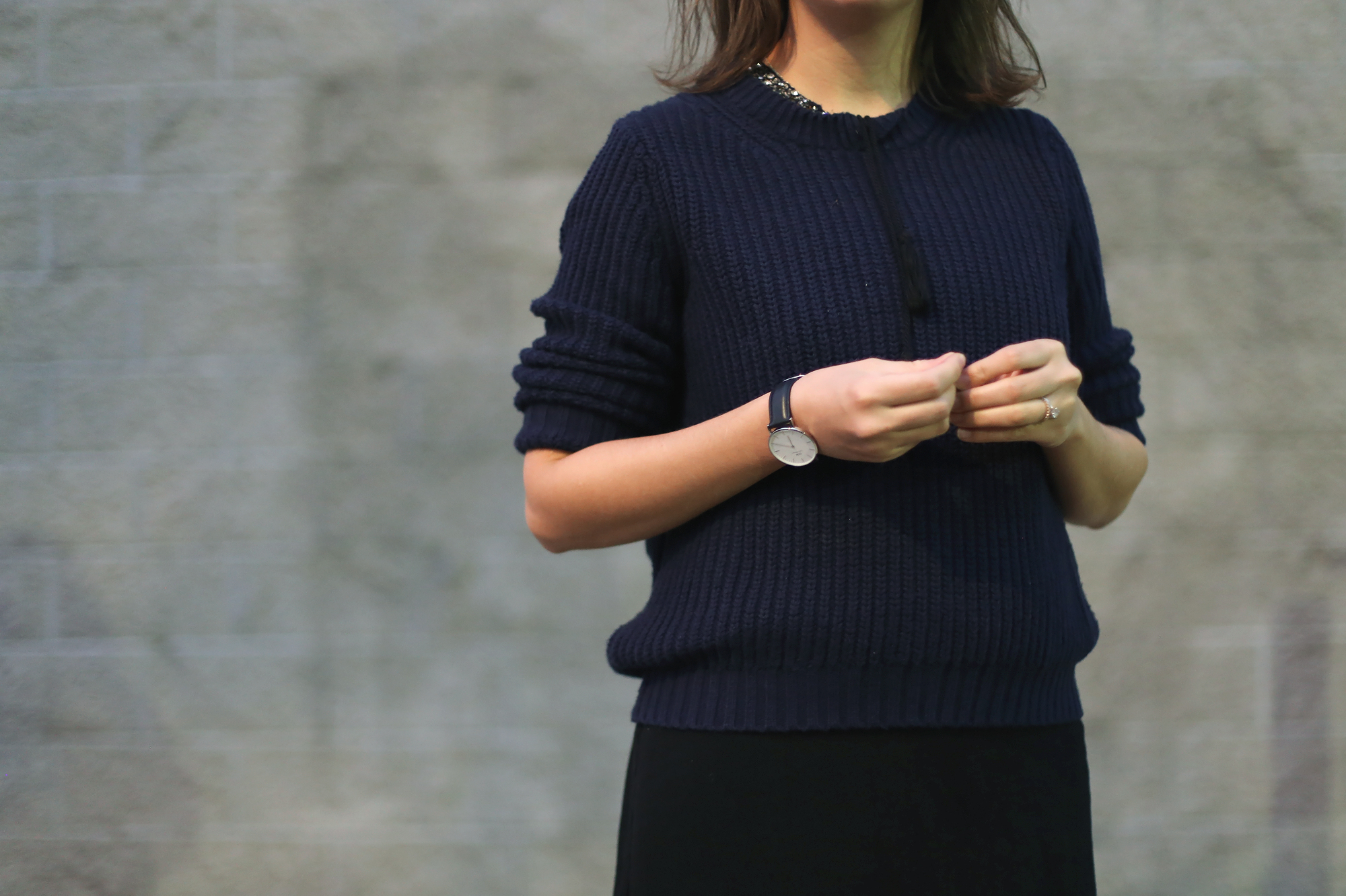 Minimalist street style accessories and some fall fashion.