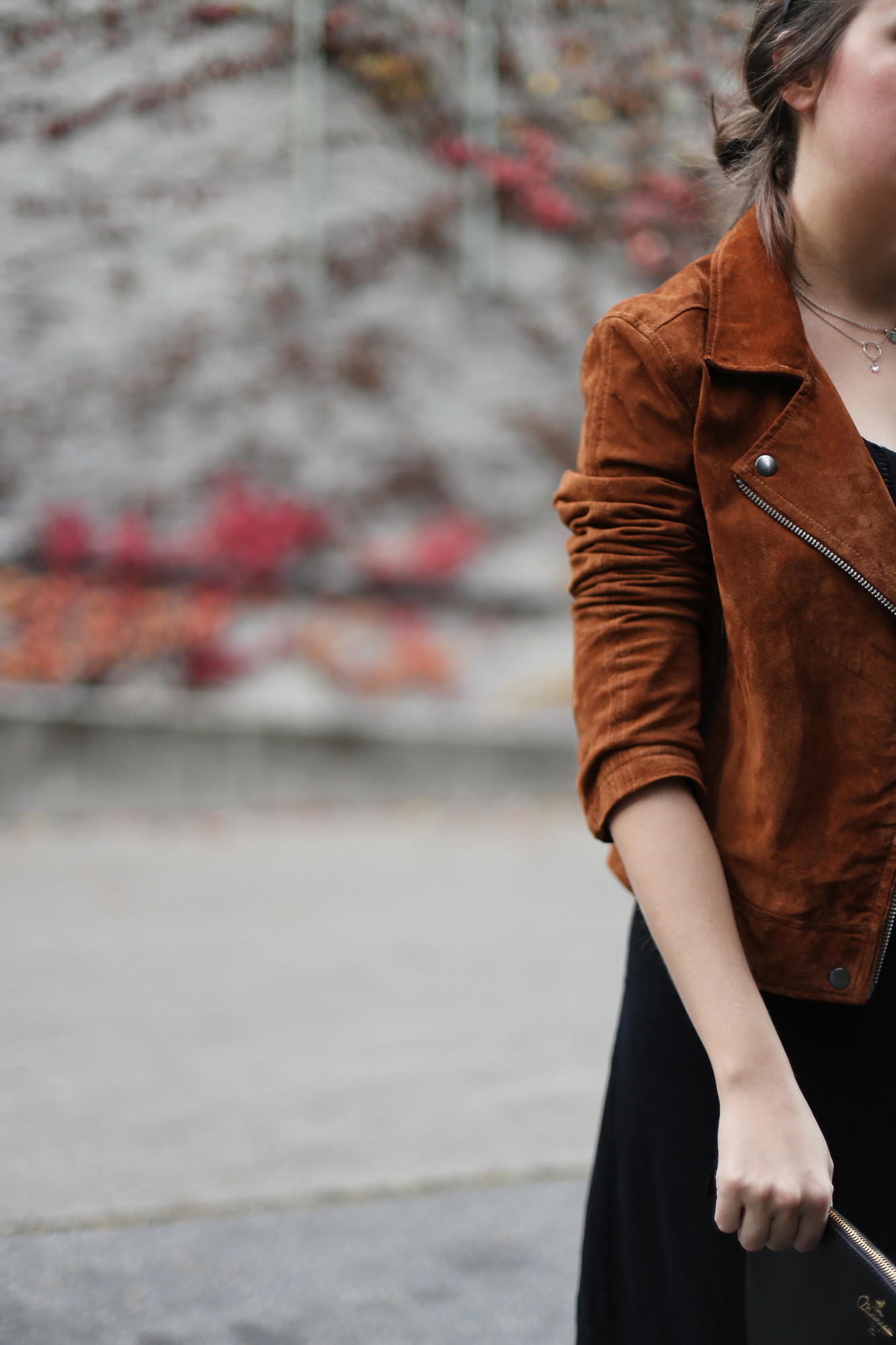 Gorgeous fall brown suede jacket. This is a piece you could have for YEARS and it will still be in fashion.