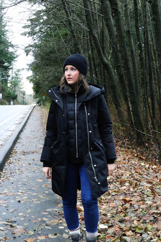 Minimalist fashion blog: winter street style.