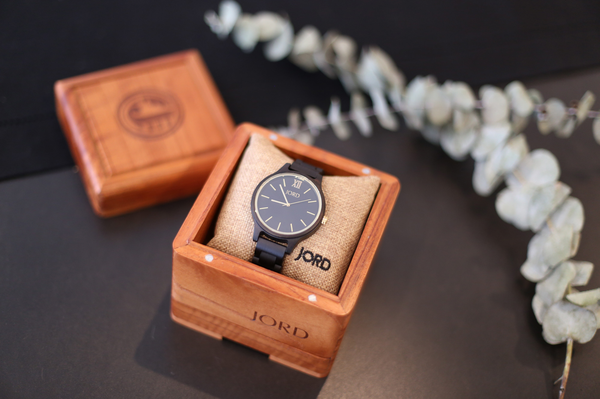 Jord watch giveaway and review.