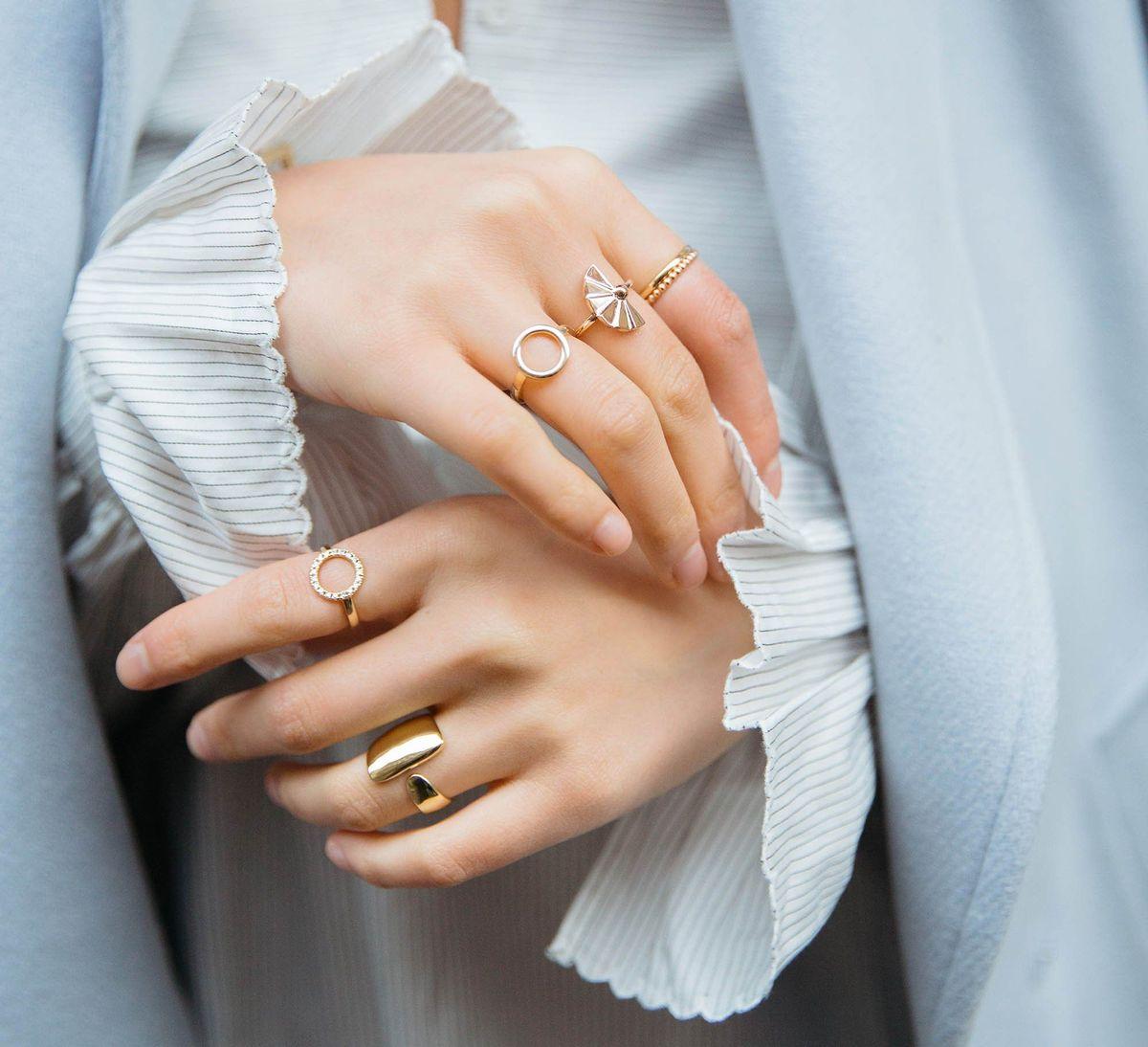 Diamond Circle Ring with White Diamonds