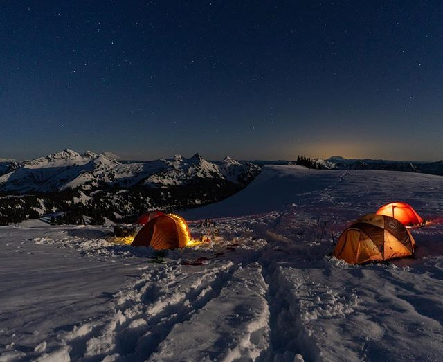 I keep saying how excited I am that snow camping season is over and then @sarina_clark reminds me we are going to be snow camping long into the summer for some of the trips we have planned 😭 It's not all bad though, especially on a clear night like this one! . . . . . #mountrainiernationalpark #upperleftusa #greatnorthcollective #outdoorwomen #livewashington #pnw #in2nature #roamtheplanet #greatoutdoors #herpnwlife #adventureisoutthere #optoutside #rei1440project #mountaineer #exploretocreate #mountaingirls #adventureanywhere #theoutbound #exploretocreate #wildernessculture #wanderwashington #wildernessbabes #neverstopexploring #likeamountaingirl #sheexplores