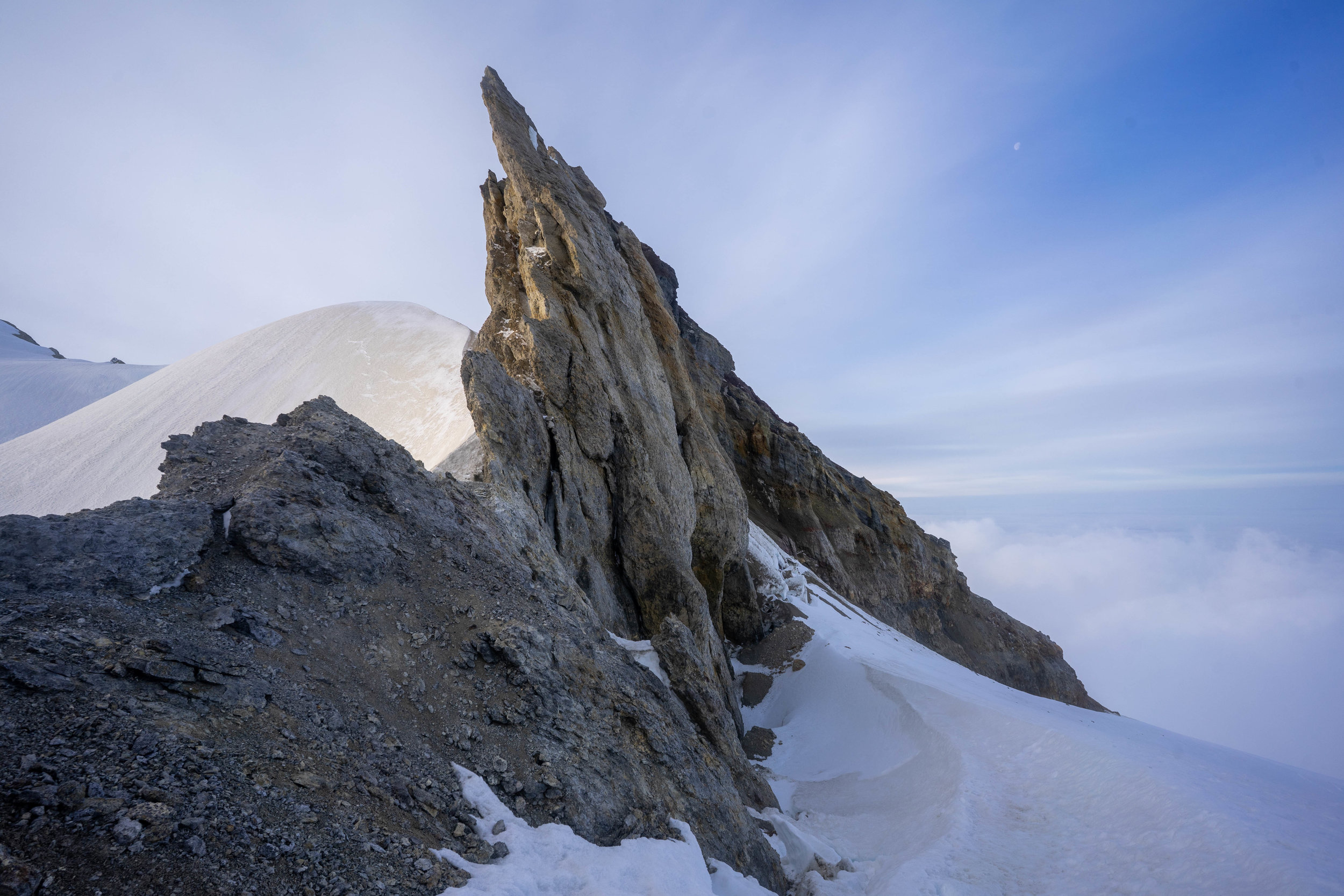 climbing-mount-baker-via-easton-glacier-route.jpg