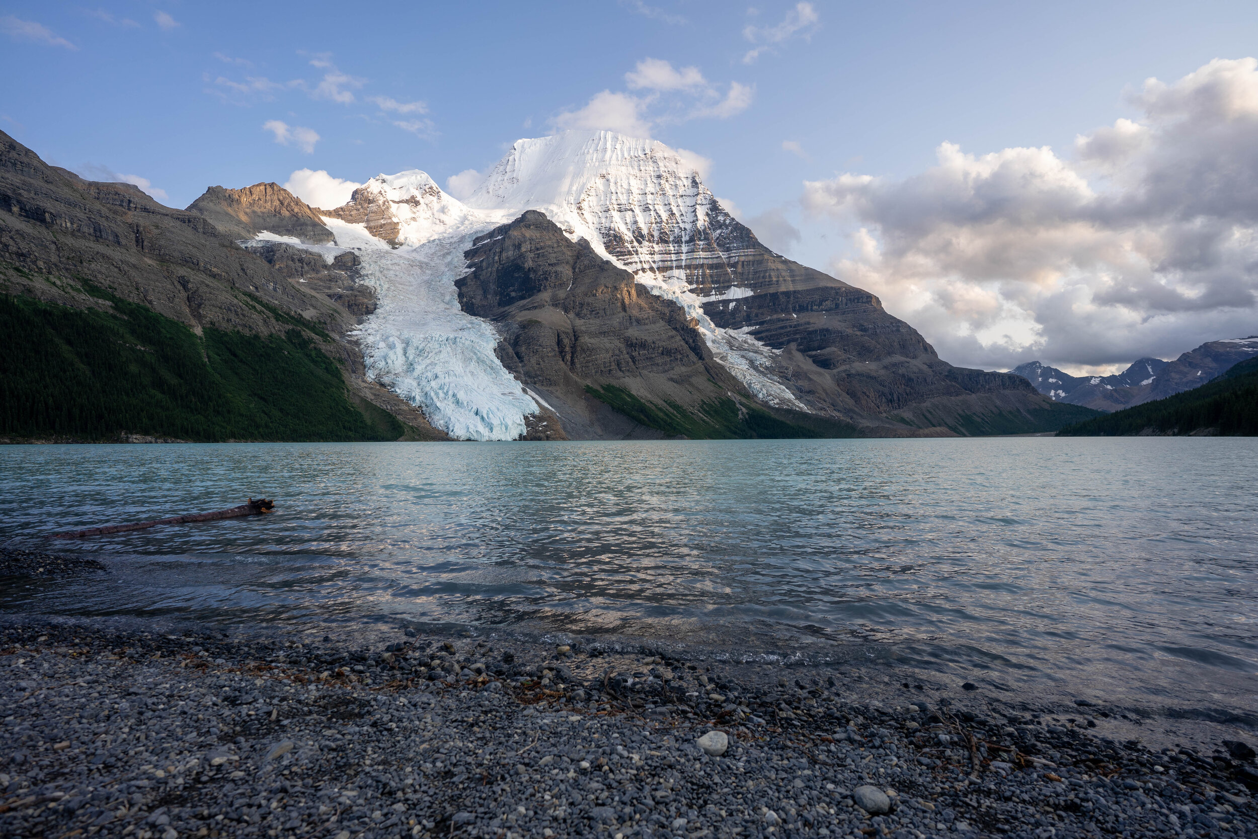 Guide-To-Backpacking-Berg-Lake.jpg