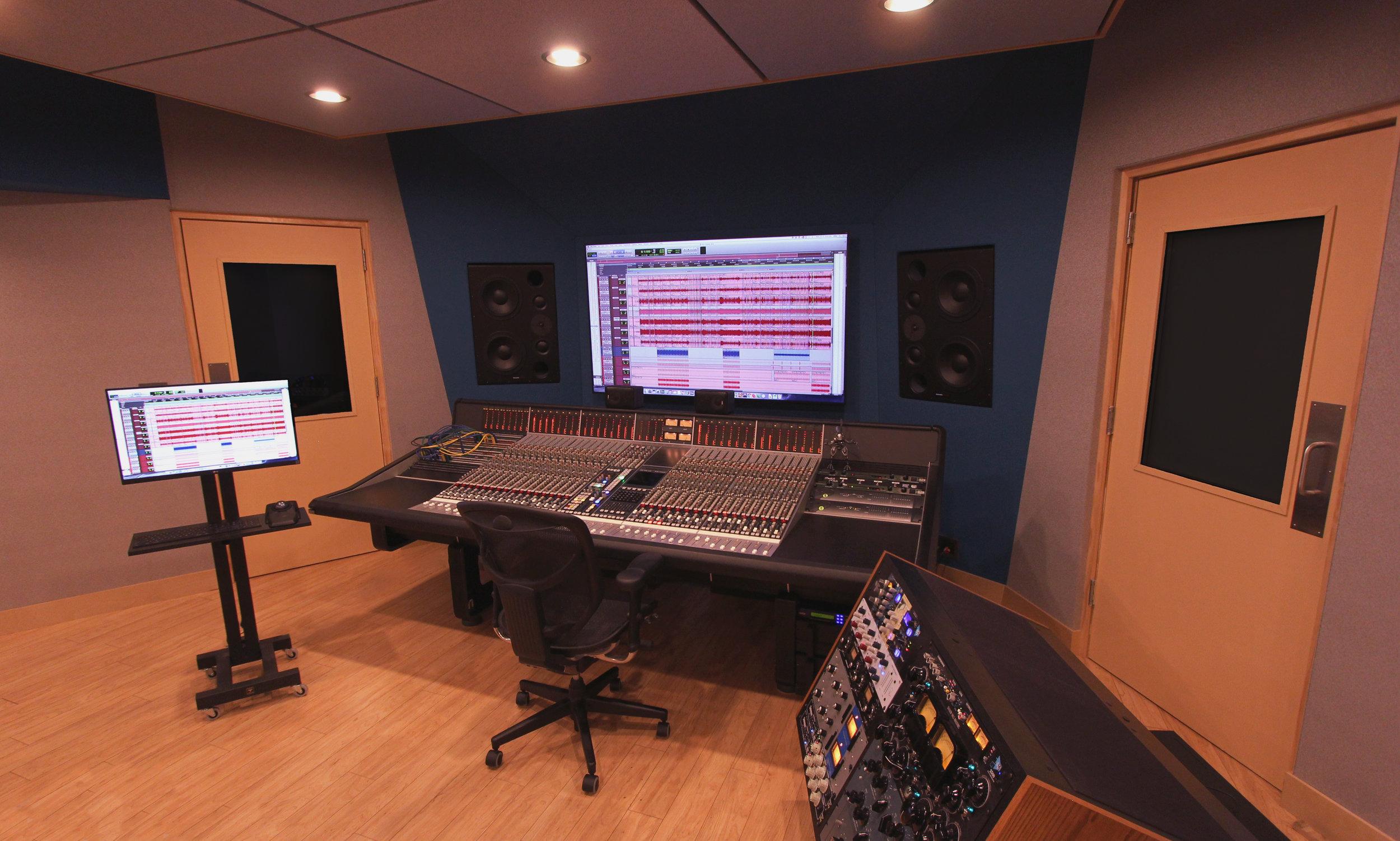 Studio M -4.jpg
