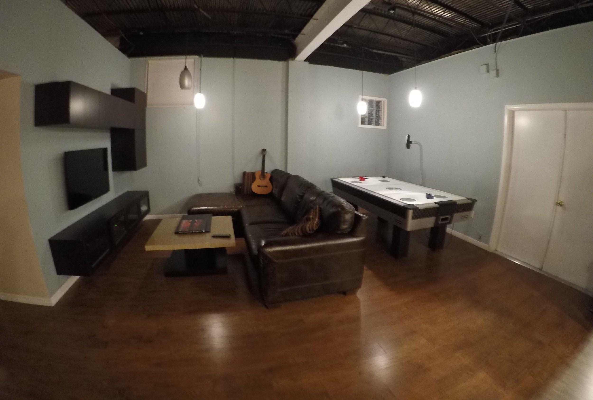 Livingroom (front).jpg