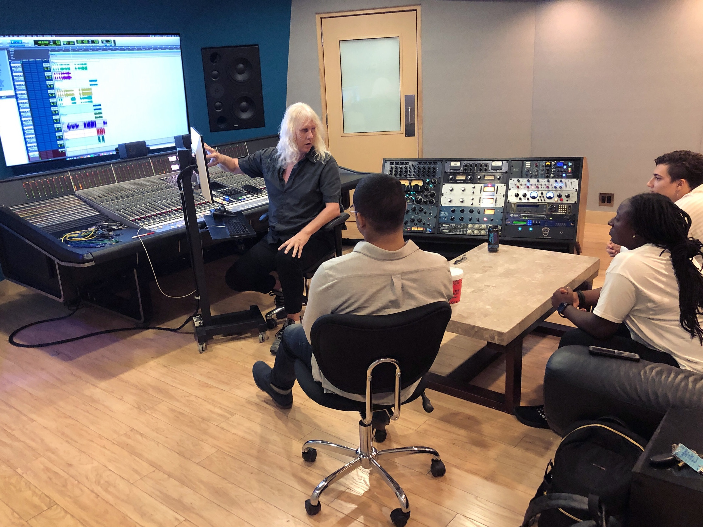 WEEK 8: Mixing Session - The Class  • Learn how to edit a session  • Understand hybrid workflow (analog/digital)  • Become familiar with EQ, compression, and summing  • Blend and complete a mix