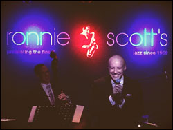 singer-gary-williams-at-ronnie-scotts-jazz-club.jpg