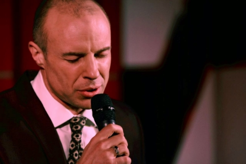 Gary Willliams sings at Crazy Coqs, London.