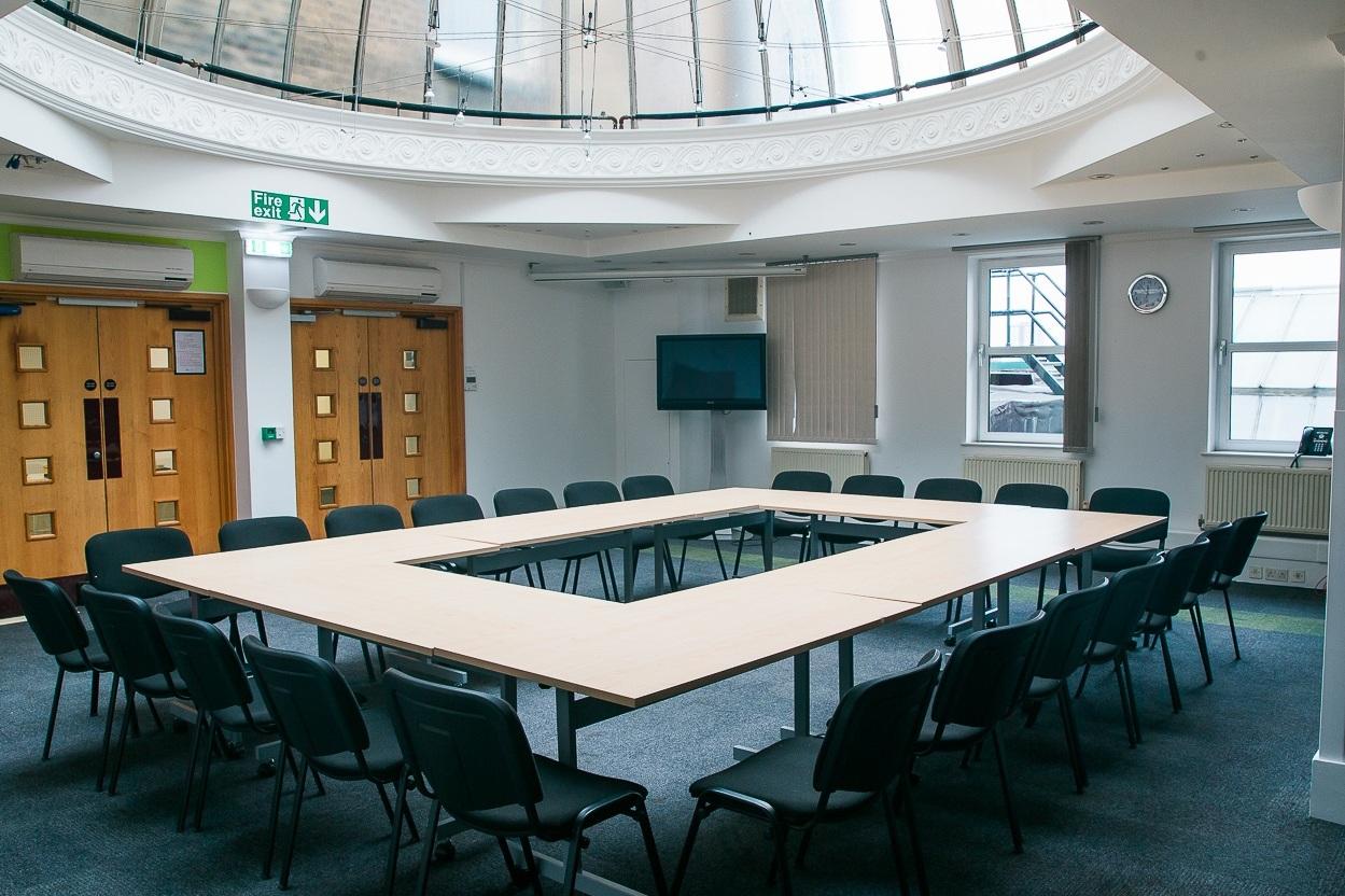 Seminar Room 1 - Maximum seating capacity50Cabaret / Boardroom / Theatre35/ 26 / 50