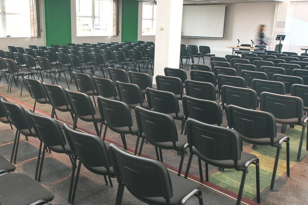 Conference Hall & Seminar 5 - Maximum seating capacity100Cabaret / Theatre90 / 190