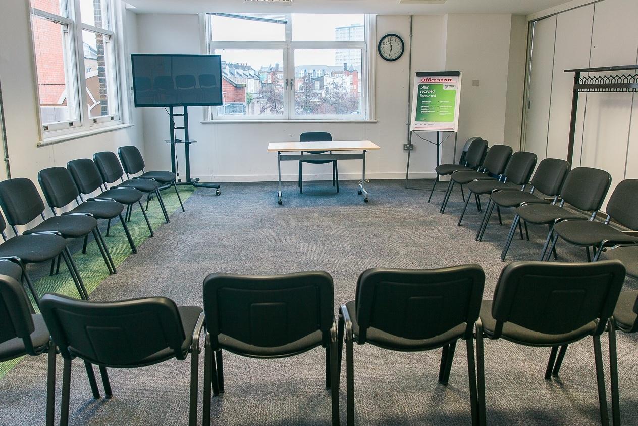 Seminar Room 6 - Maximum seating capacity28Cabaret / Boardroom / Theatre20 / 20 / 28