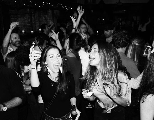 That excitement when you realise there's only 1 day left until the weekend 🥳  Join us tonight for some pre weekend madness! Happy hour is waiting for you... . . . . . . . . . . . #jerusalem #jerusalembarandkitchen #rathboneplace #london #londonfashion #londonfood #happyhour #excitement #preweekend #thursdayquotes #thursdaymotivation #thursday #partyseason #hiddengems #alcohol #gin