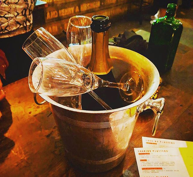 Let's pop some bottles, it's Wednesday! 🥂 We've made it half way, so let's celebrate those hump day blues! . . . . . . . . . #jerusalem #jerusalembarandkitchen #rathboneplace #soho #tottenhamcourtroad #london #londonfashion #happyhour #prosecco #alcohol #drinkporn #instadaily #likeforlikes #wednesdaywisdom #wednesdaymotivation #midweekmotivation #humpday