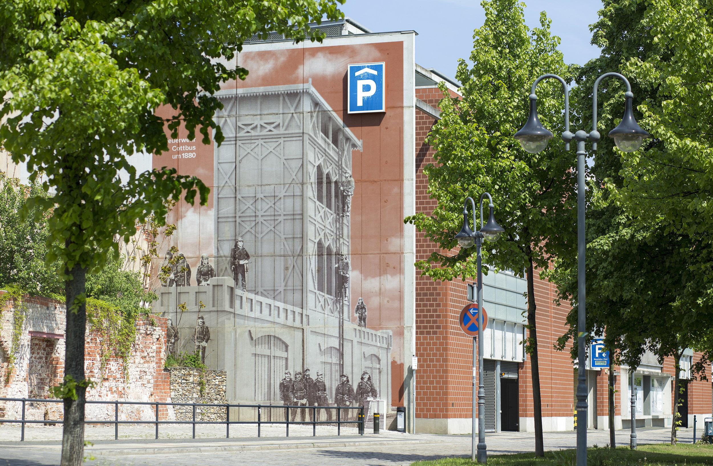 Feuerwehr_Historisch_Wandbild_Fassade_Parkhaus_Rasterbild