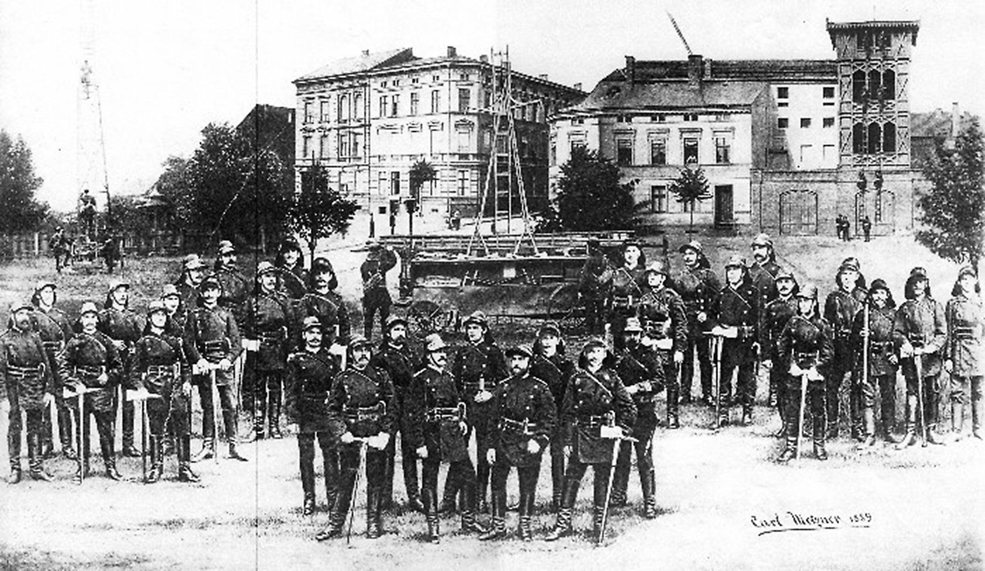 Feuerwehr_Cottbus_Historisch_Wandbild_Fassade_Parkhaus