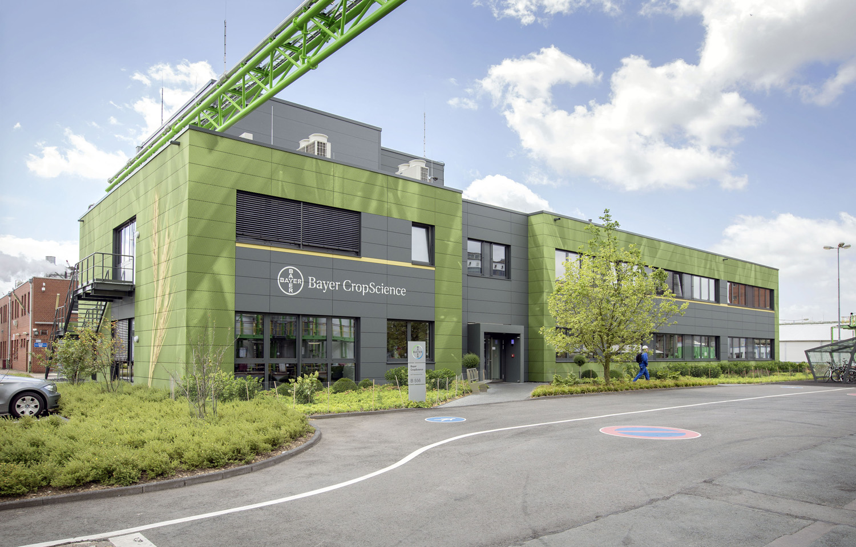 Bayer_Betriebszentrale_Dormagen_Fassadenbild_Rasterbild