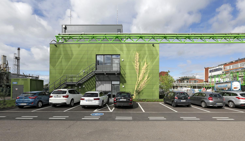 Bayer_Betriebszentrale_Dormagen_Fassadenbild_Rasterbild_Grafitti