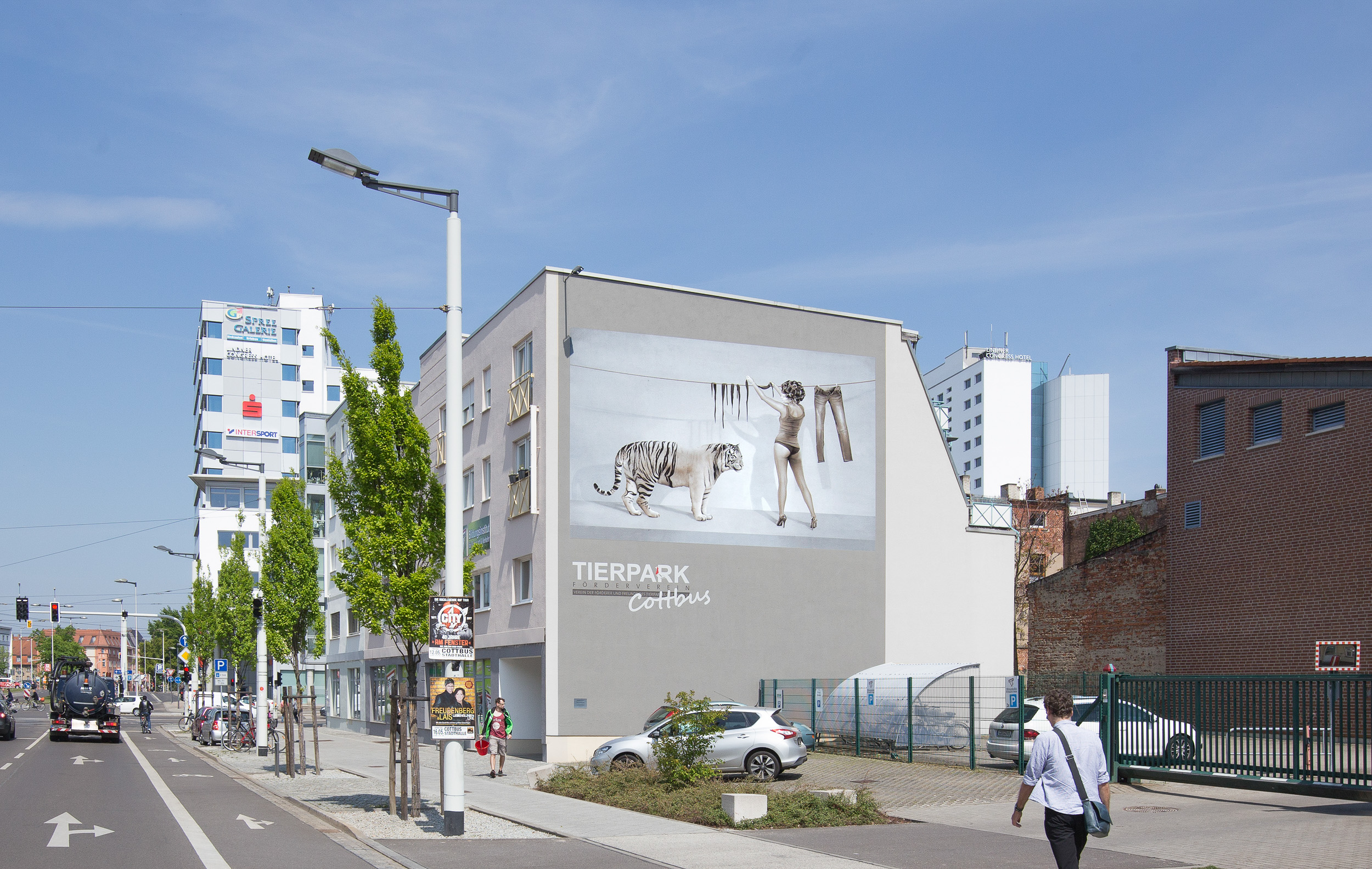 Fassadengestaltung-kein-graffiti-tiger-lily-cottbus-wandbild.jpg