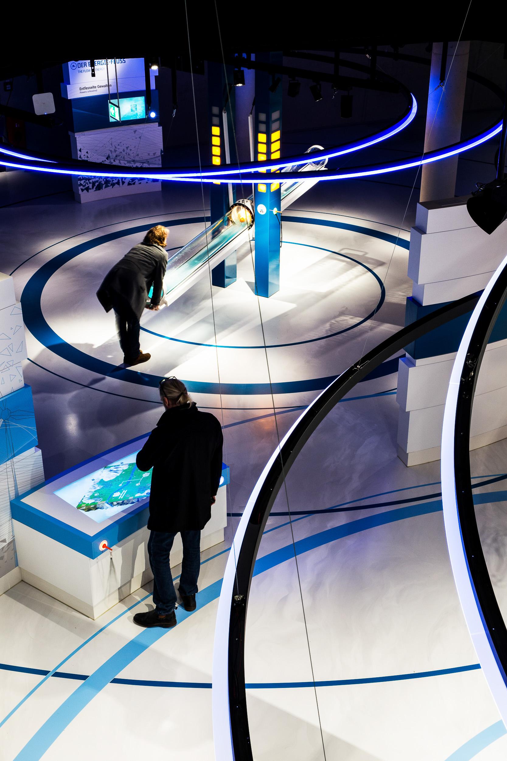 leitsystem-museum-ausstellung-Aurich_EEZ_blau.jpg