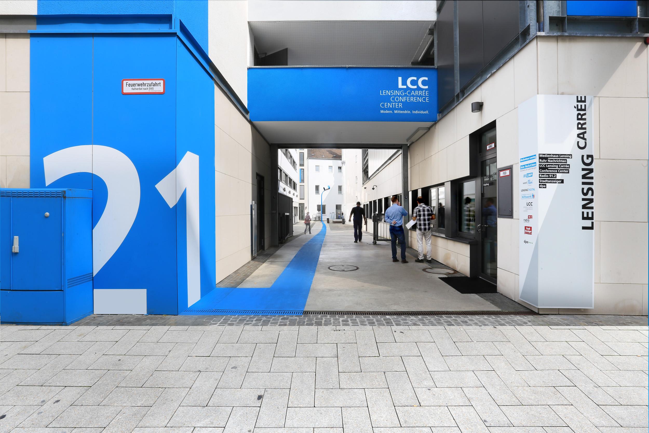 wegeleitsystem-hausnummer-lensing-carree-dortmund-einkaufsstraße.jpg