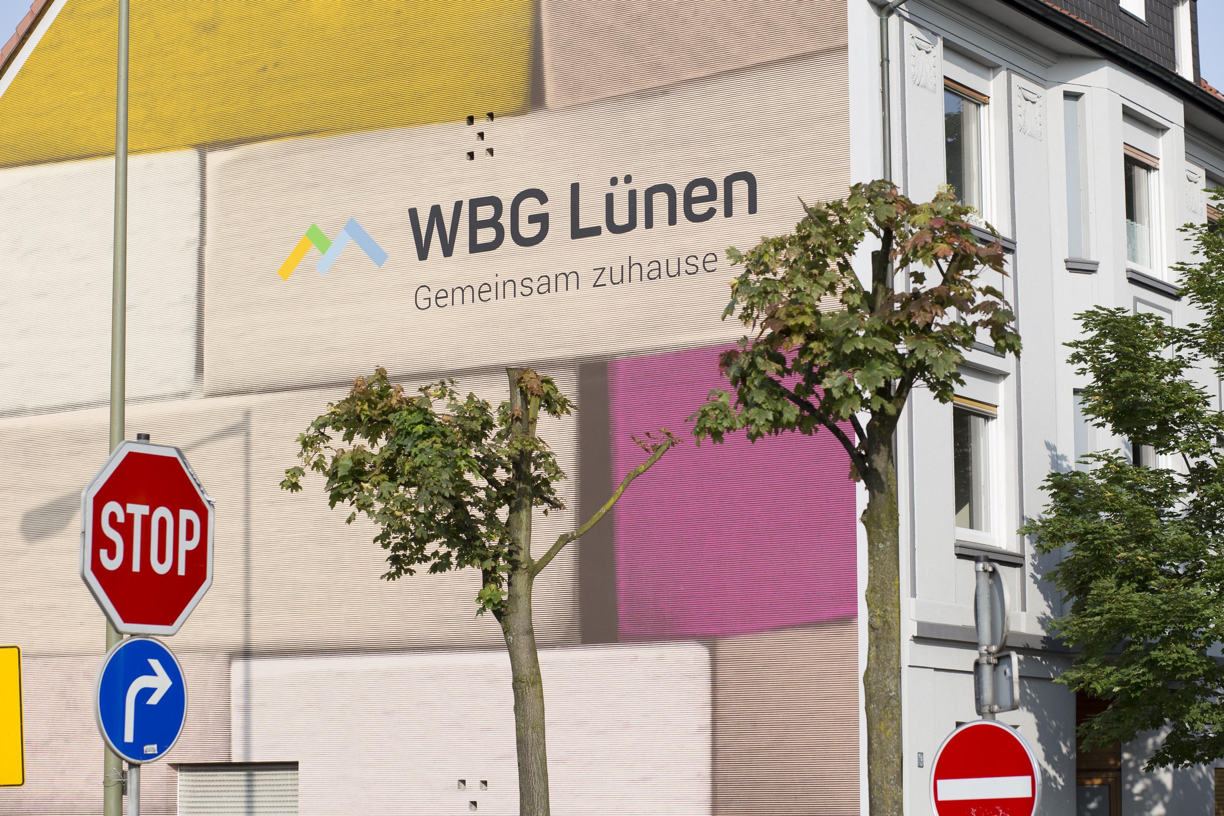 Wandmalerei-Luenen-Giebel-Wohnhaus-Putz-Bild.jpg
