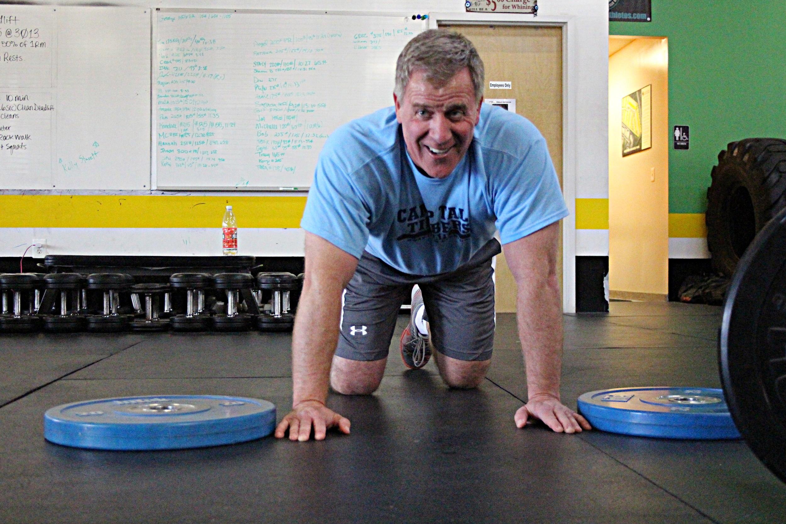 Glenn mid dynamic push-ups.