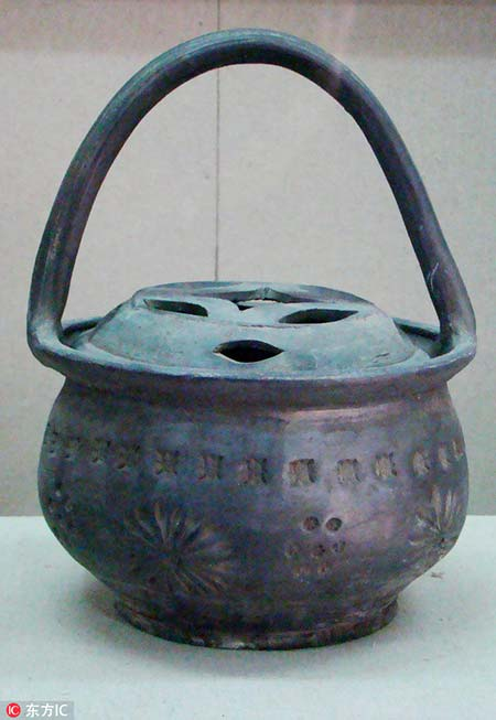 Ancient cooking kettle
