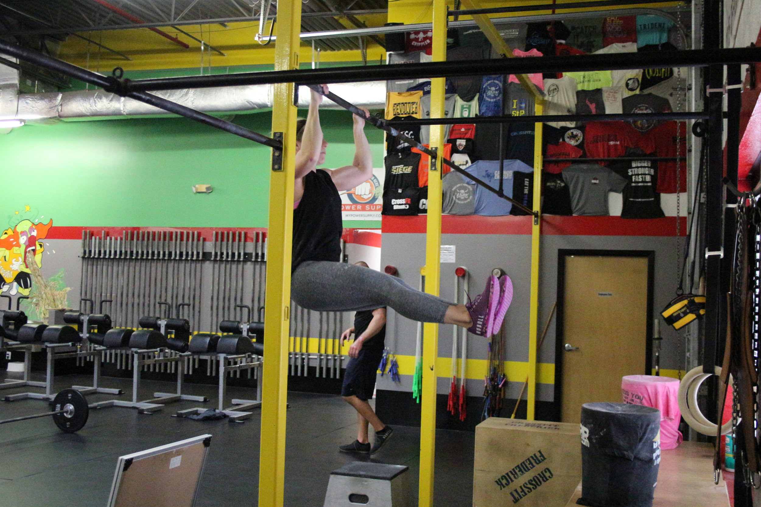 L-Pull-up performed by our Coach Stacy.