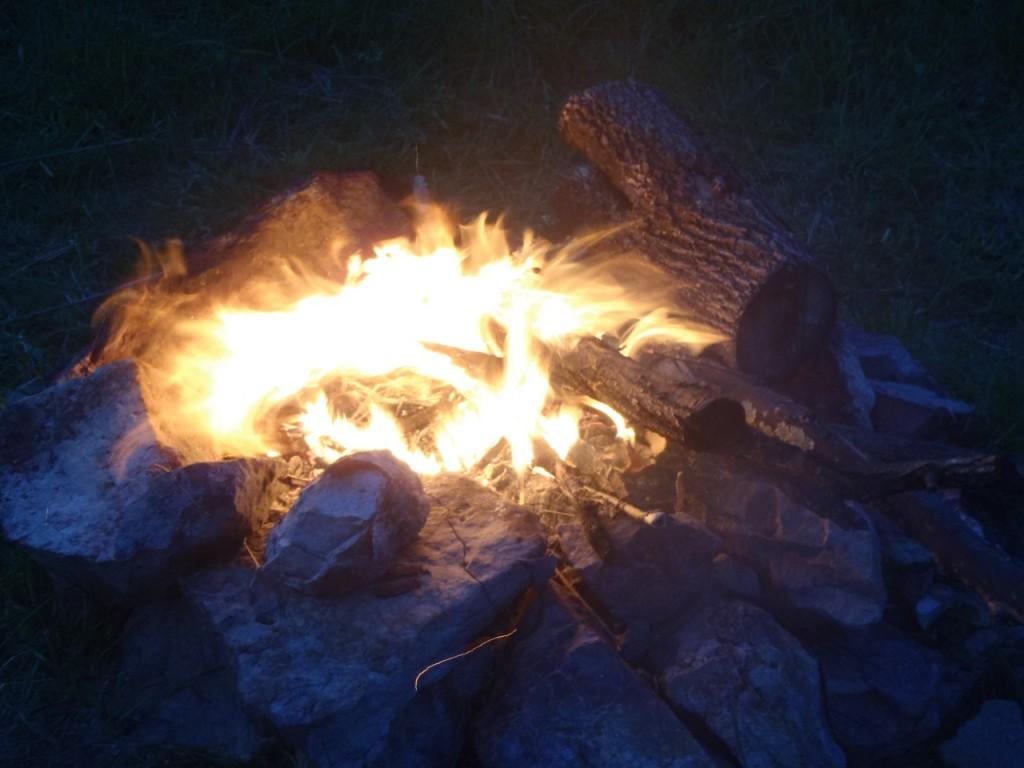 Appalachian-Trail-campfires-thru-hikes