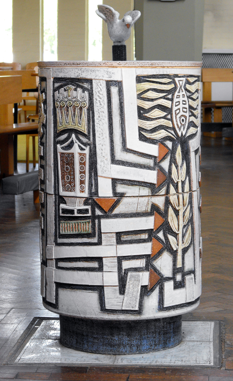 Baptismal font, Church of the Epiphany, Corby by Boyson (author 2010)001.jpg