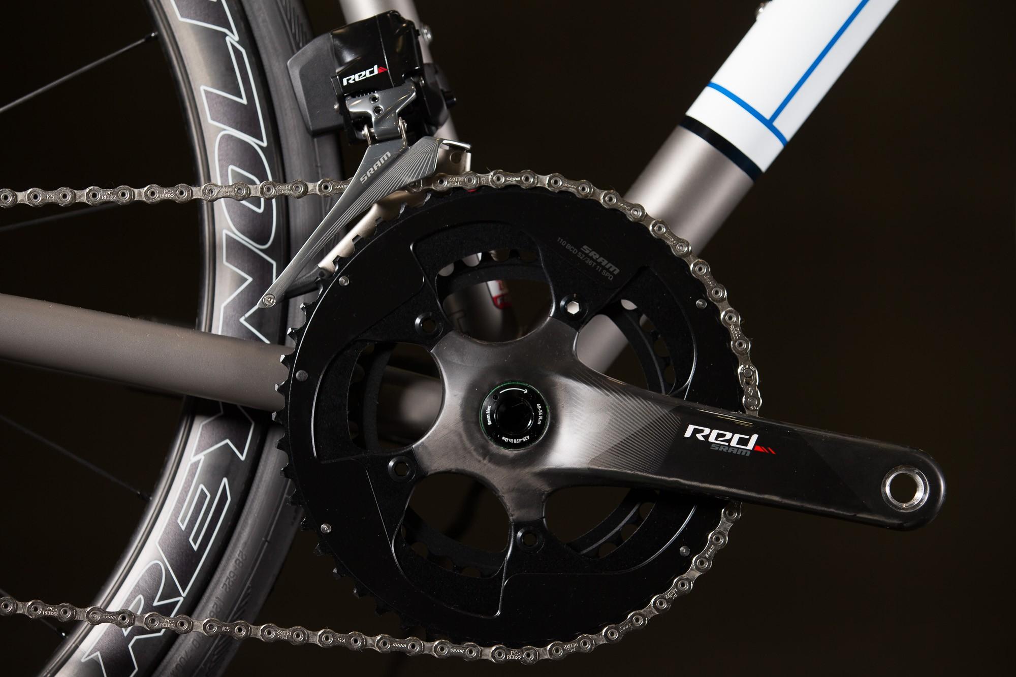 2016-NAHBS-Strong-Disc-Road-Bike-with-SRAM-RED-eTap-7-1335x890@2x.jpg