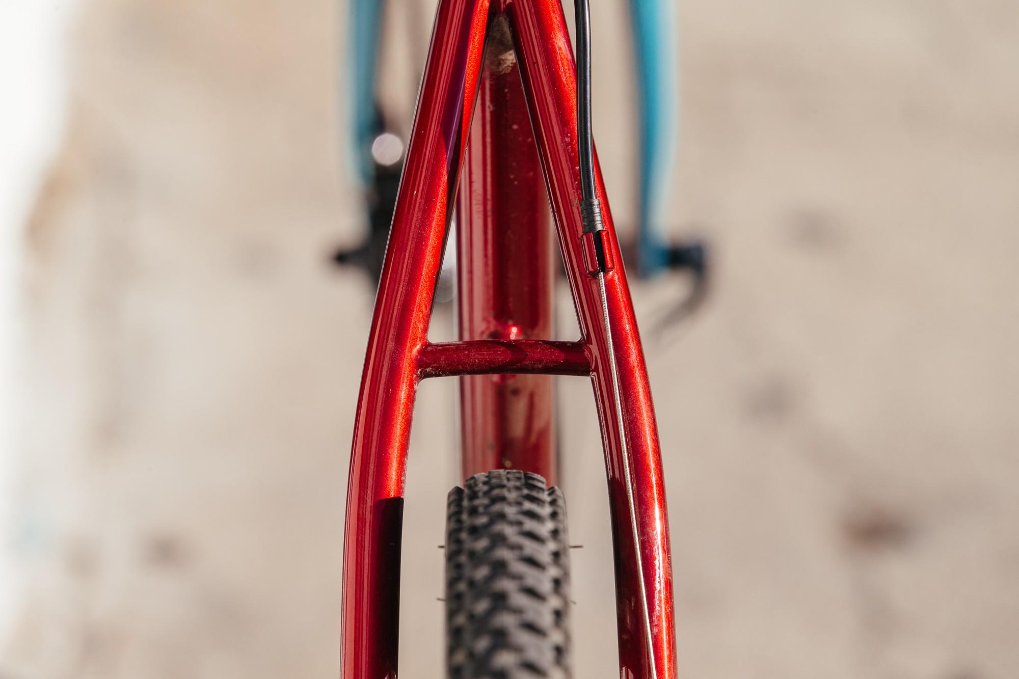 Ericas-Moth-Attack-CX-Team-Bike-9-1335x890@2x.jpg
